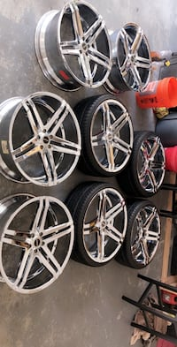 "1 set of new 22"" strada chrome rims with new tires and 4 spaces Riverview, 33579"