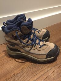 Columbia thermolite boots size 8
