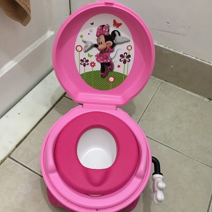 Pink minnie mouse plastic toy