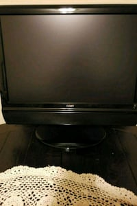 Coby 19 in flat screen TV with built in dvd 552 mi
