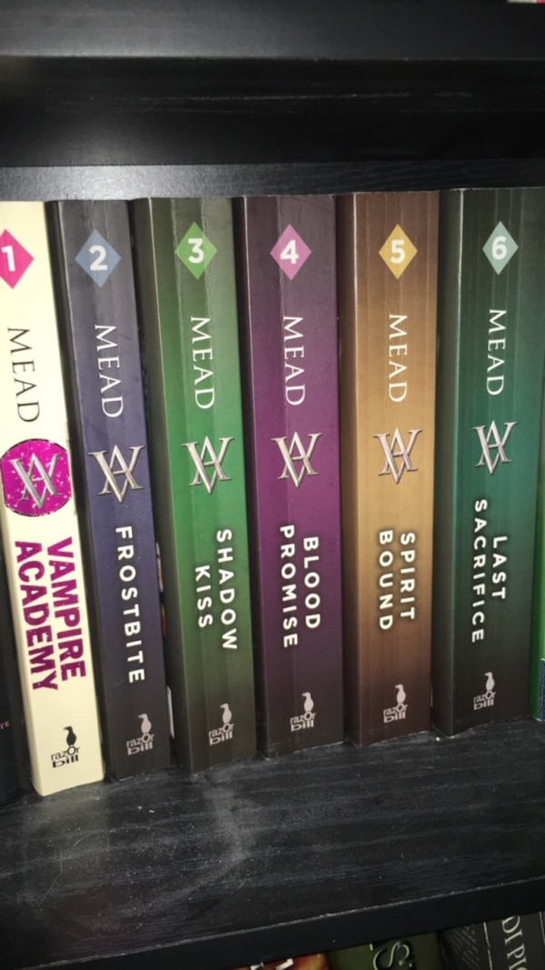 Vampire academy book collection