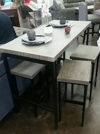 Counter Height Table with 4 Counter Height Chairs Sacramento