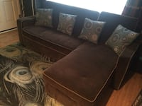 """""""Mini sectional which converts to full size bed with storage. Turlock, 95382"""