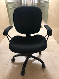 Staples Office Chair  Mississauga, L4X 1S3