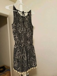 black and white floral sleeveless dress Anaheim, 92804