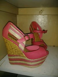 pair of pink open-toe wedges Houston, 77039