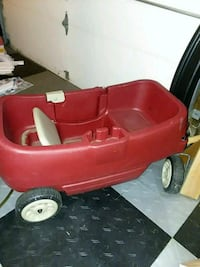 red and white plastic wagon Damascus, 20872