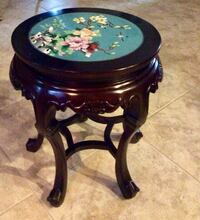 Antique beautiful round little side table  Largo, 33773