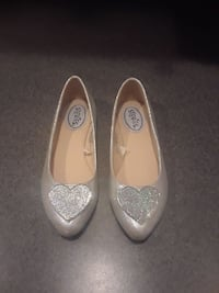 Girls dressy shoes size 1 East Providence, 02915