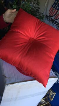 red square tufted cushion Mooresville, 28115