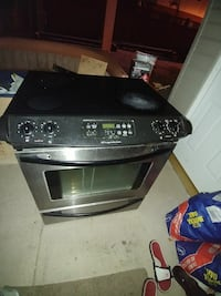 gray Frigidaire induction range oven Delta, V4C 2C5