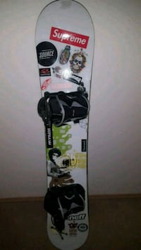 black and white snowboard with bindings Calgary, T2E 2B8