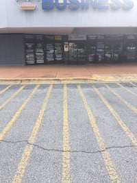 COMMERCIAL For rent STUDIO 1BA Snellville