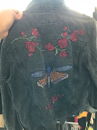 Denim jacket with rose & butterfly design Union City, 94587