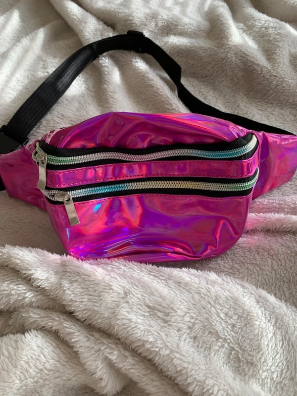 Holographic Fanny Pack 1dec64b4-c69a-4ea0-8bb4-7b163d0f0717
