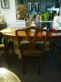 brown wooden dining table set New York, 11433