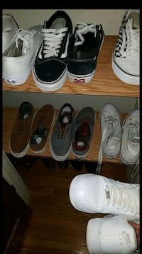 six pairs of assorted shoes Hammond, 46324