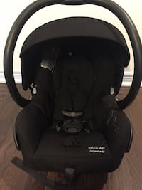 Maxi cosi infant car seat and 2 bases Oakville, L6M 0P7