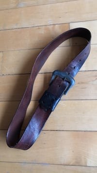 Small leather brown belt Toronto, M6G 2Y5