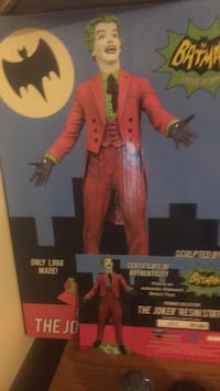 Joker statue with coa numbered