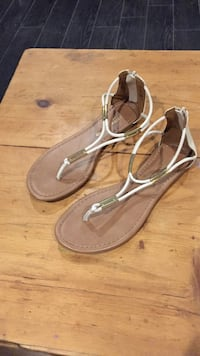 pair of brown-and-white thong flat sandals Mississauga, L5W 0C7
