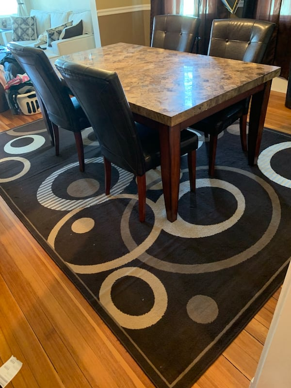 Dining set with chairs a9ea095b-2a56-49b6-97b4-4c766671643f