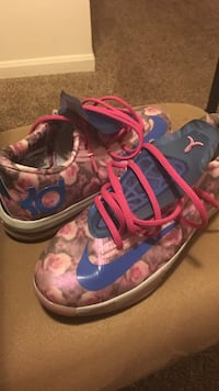 pink and blue nike kevin durant sneakers Indianapolis, 46204