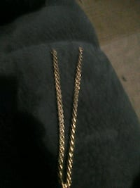 Chain made out of hold