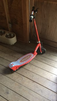 Used Toys R Us Red Razor Electric Scooter For Sale In Marlboro Letgo