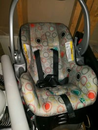 baby's gray and black car seat carrier District Heights, 20747