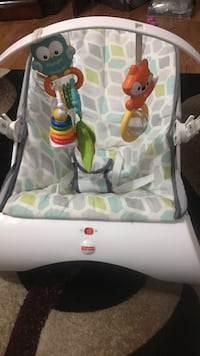 baby's white Fisher-Price bouncer Los Banos, 93635