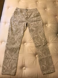 gray and white floral pants Gaithersburg, 20879