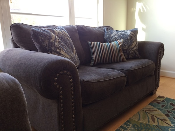 Couch, Loveseat, Table, Rug f6836775-aa69-4004-be16-2d40da0b8f0f