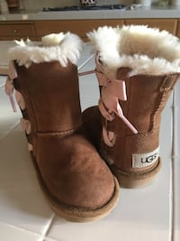 Pair of brown ugg boots Roseville, 95747