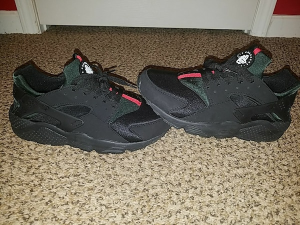 88258865063c Used Gucci Huaraches for sale in Charlottesville - letgo