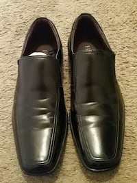 pair of black leather dress shoes Evansville, 47711