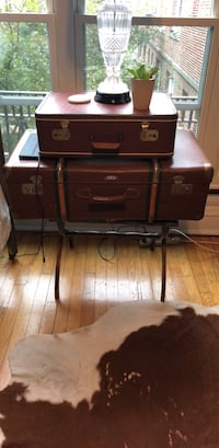 Suitcase Nightstand (FREE DELIVERY) Chicago, 60613