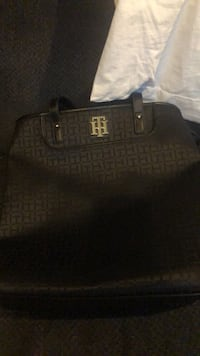 Tommy Hilfiger Purse New Haven, 63068