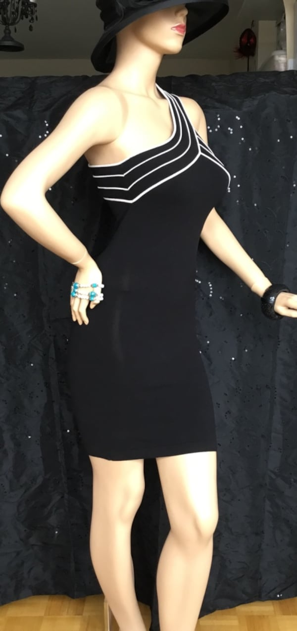 Marciano black stretch dress - small dbbc11d8-f926-4e25-9f7b-df520994a349