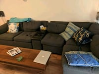 black and gray sectional couch Dollard-des-Ormeaux, H9B 1P9