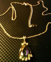 gold chain necklace with heart pendant Redding, 96002