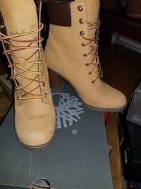 Pair of suede timberland boots Toronto, M3C 1B7