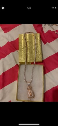 Rose gold tennis chain with pendant  Philadelphia, 19134