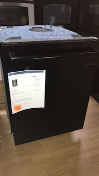 black electric dishwasher Woodbridge, 22191