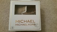 MIchael Kors shoe with box Oshawa, L1H 8L7