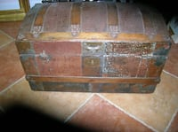 A VERY OLD ANTIQUE TRUNK Springfield