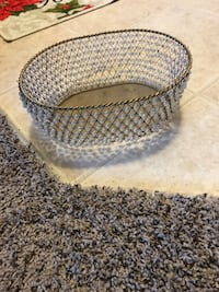 Metal basket with white pearl beads 302 mi