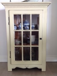 Rustic shabby chic white pine  china cabinet Montréal, H7W