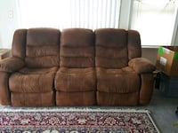 Moving. need to sell couch recliner Pasadena, 21122