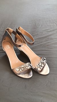 pair of brown leather open-toe wedge sandals Vestal, 13850
